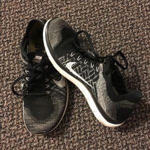 Black/Gray Nike Free Flyknit 4.0